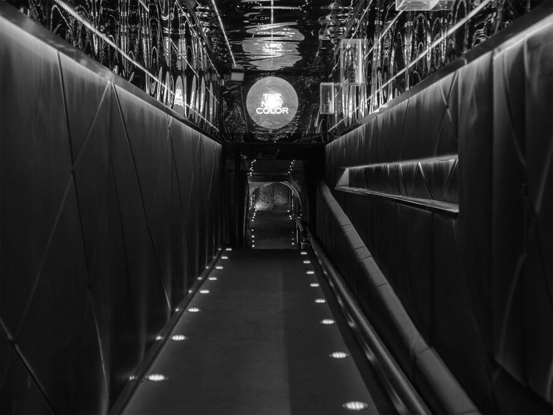 entrée Trolleybus noir et blanc, le trolley, discotheque, marseille, vieux port, nightclub, boite de nuit